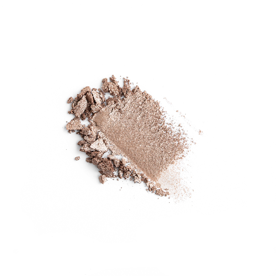 iamklean compact eyeshadow smudge remarkable websize witte achtergrond